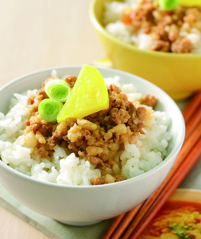 食譜:蒜香滷肉飯