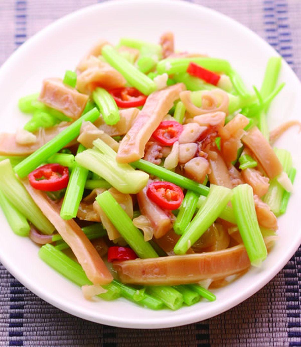 食譜:芹菜炒魷魚(4)