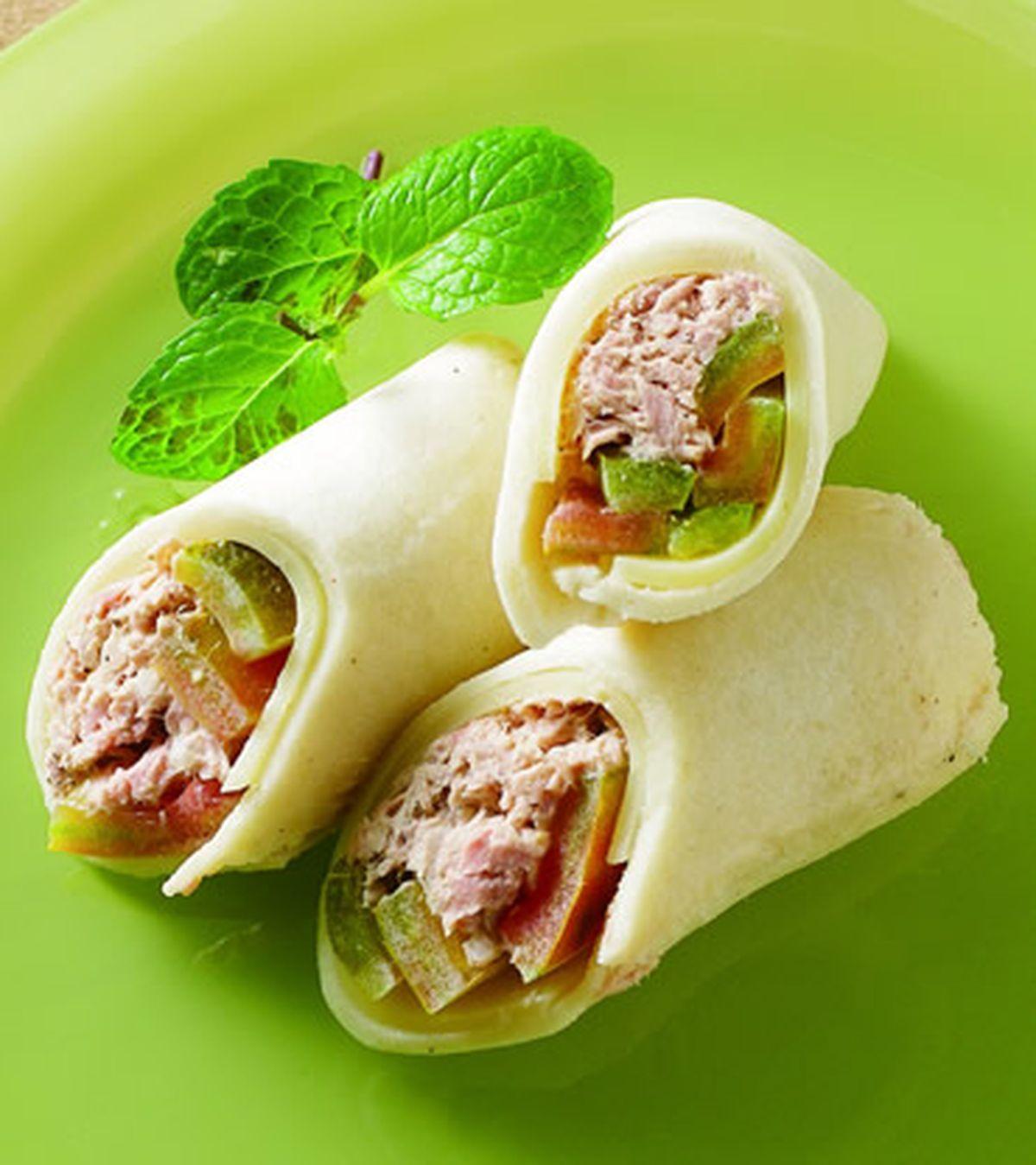 食譜:蕃茄起司鮪魚土司捲