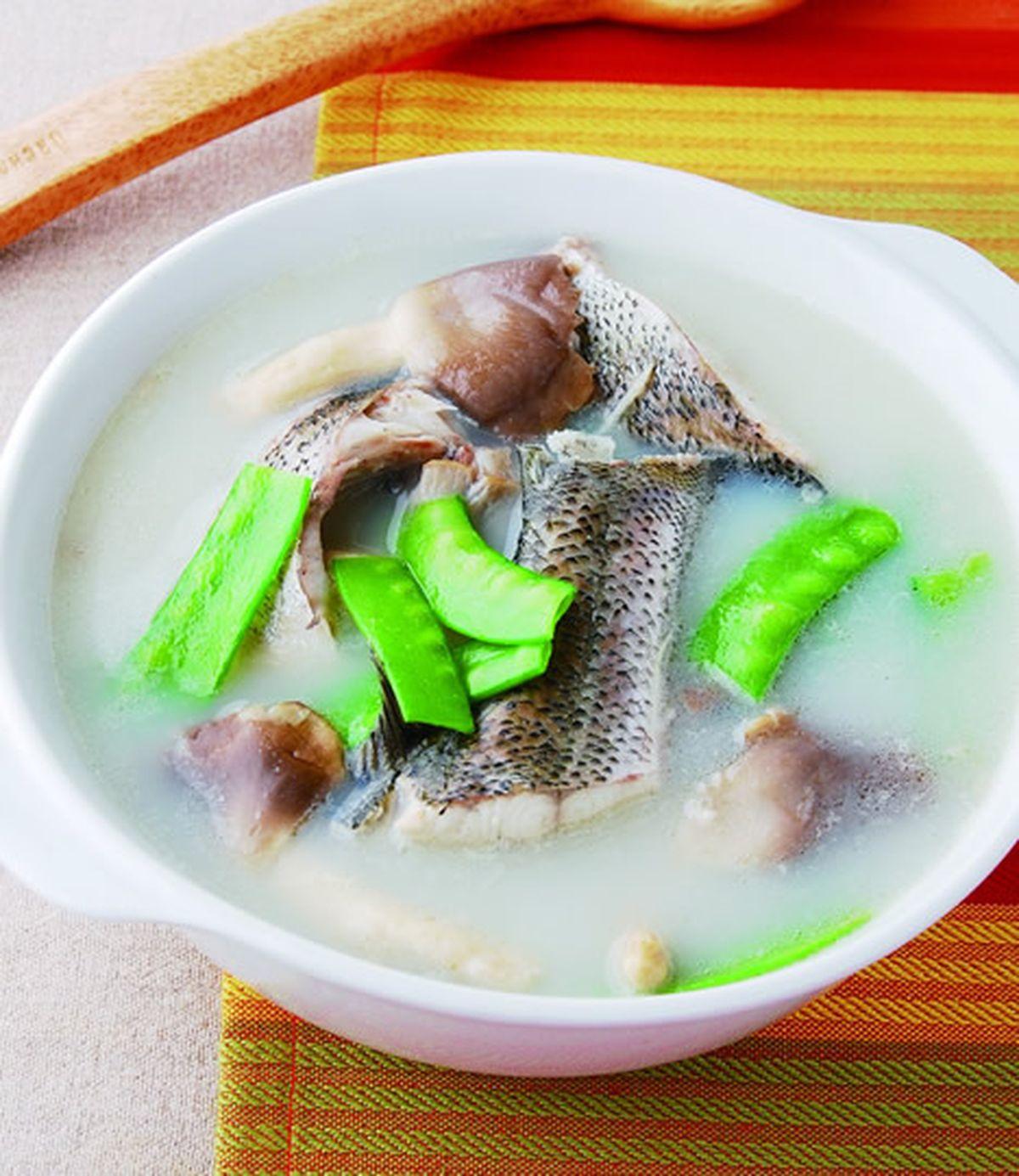食譜:奶湯鱸魚鍋