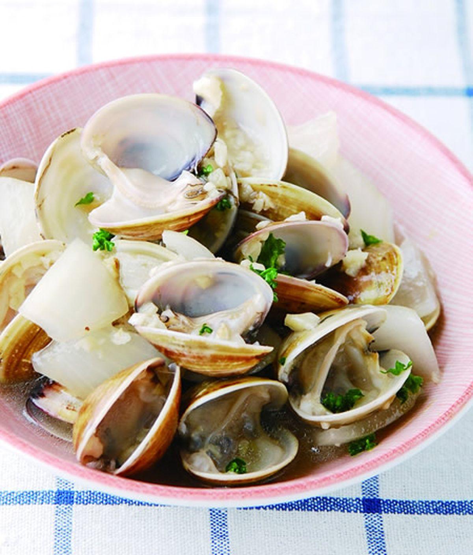 食譜:蒜茸白酒煮蛤蜊