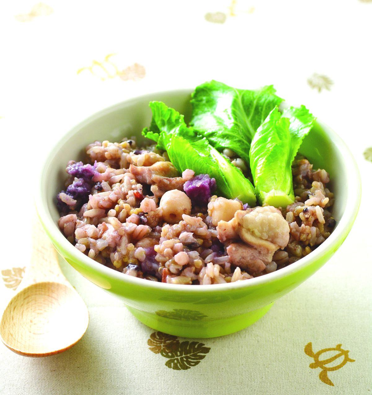 食譜:雞肉五穀米菜飯