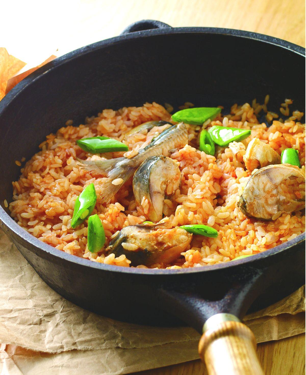 食譜:茄汁鯖魚燉飯