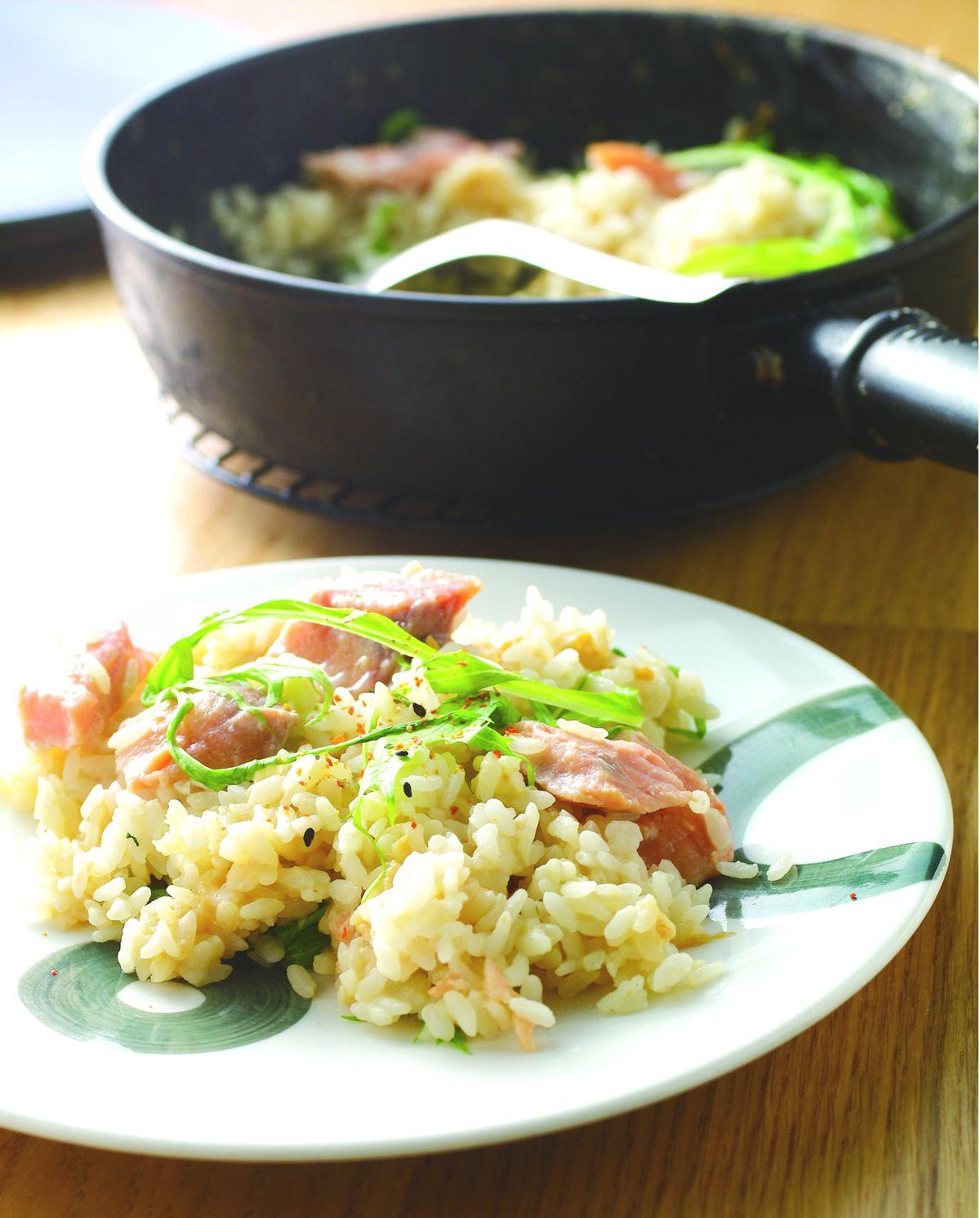 食譜:味噌鮭魚菠菜燉飯