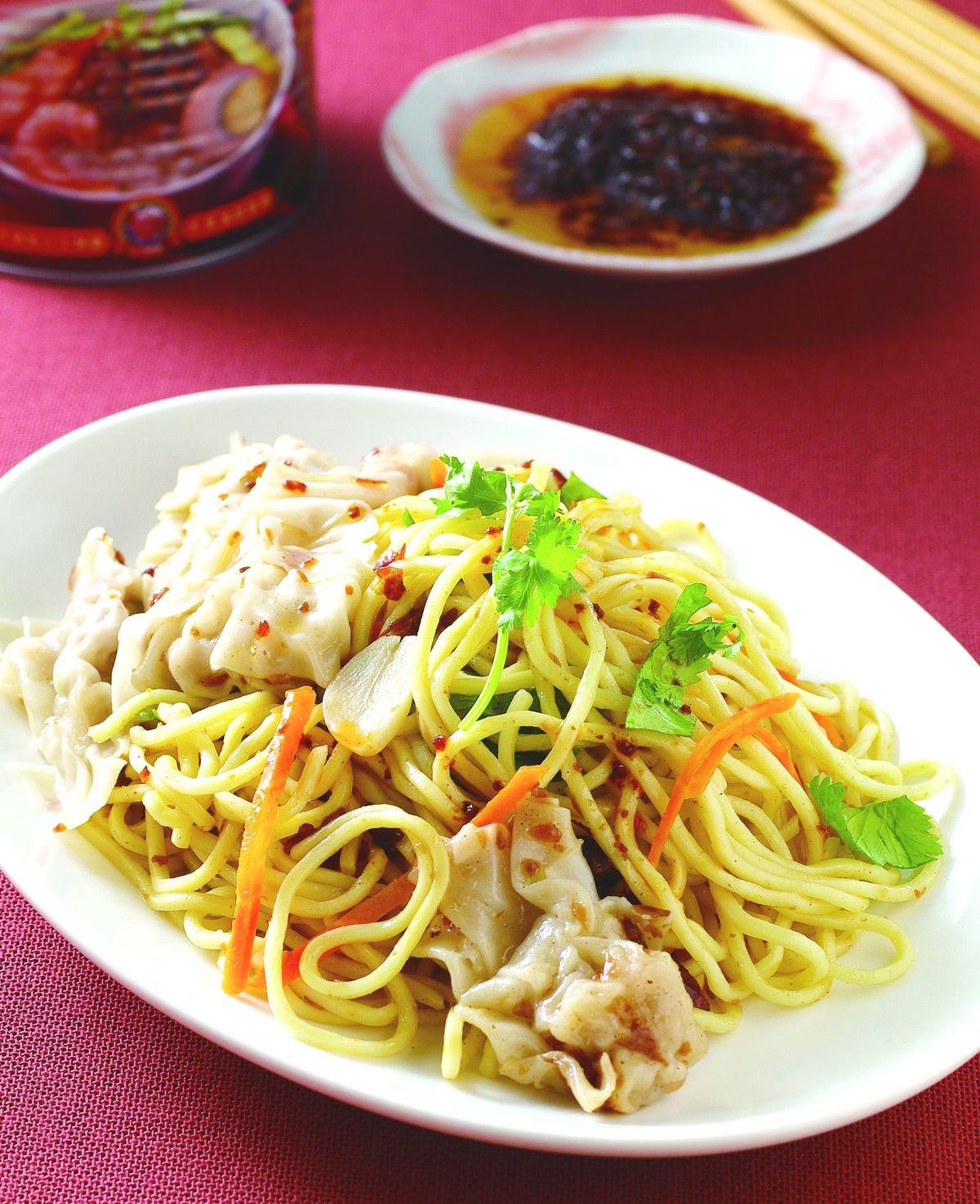 食譜:紅蔥餛飩拌麵