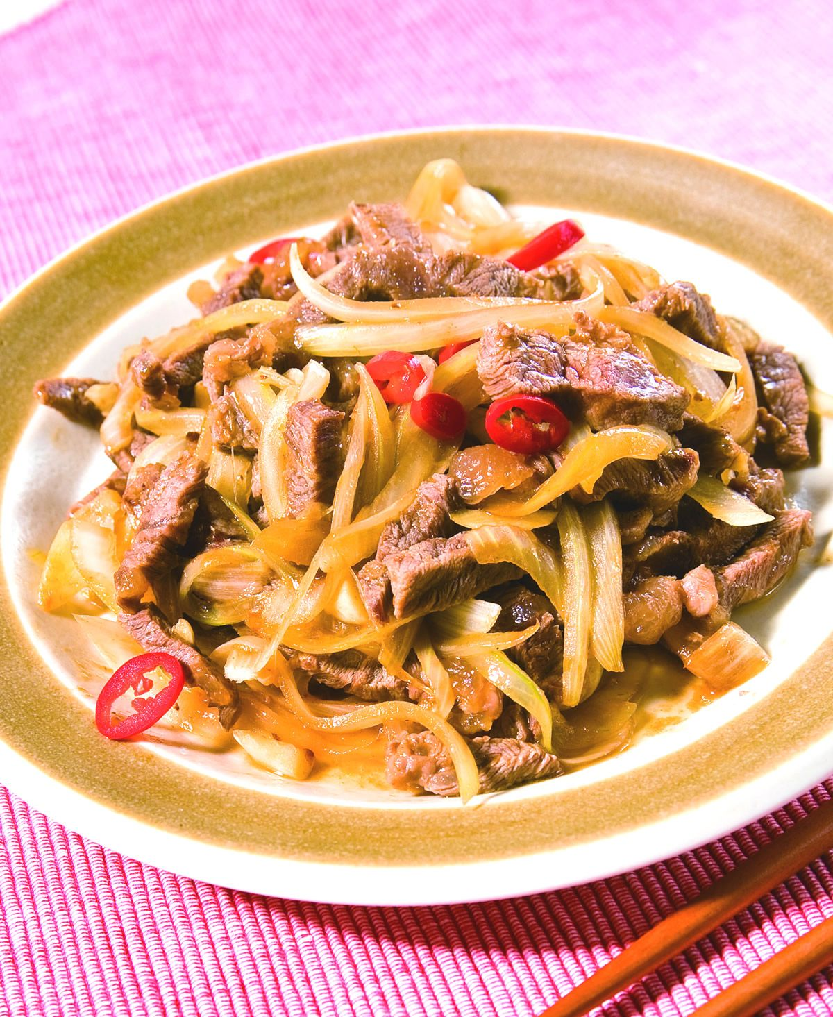 食譜:洋蔥炒牛肉