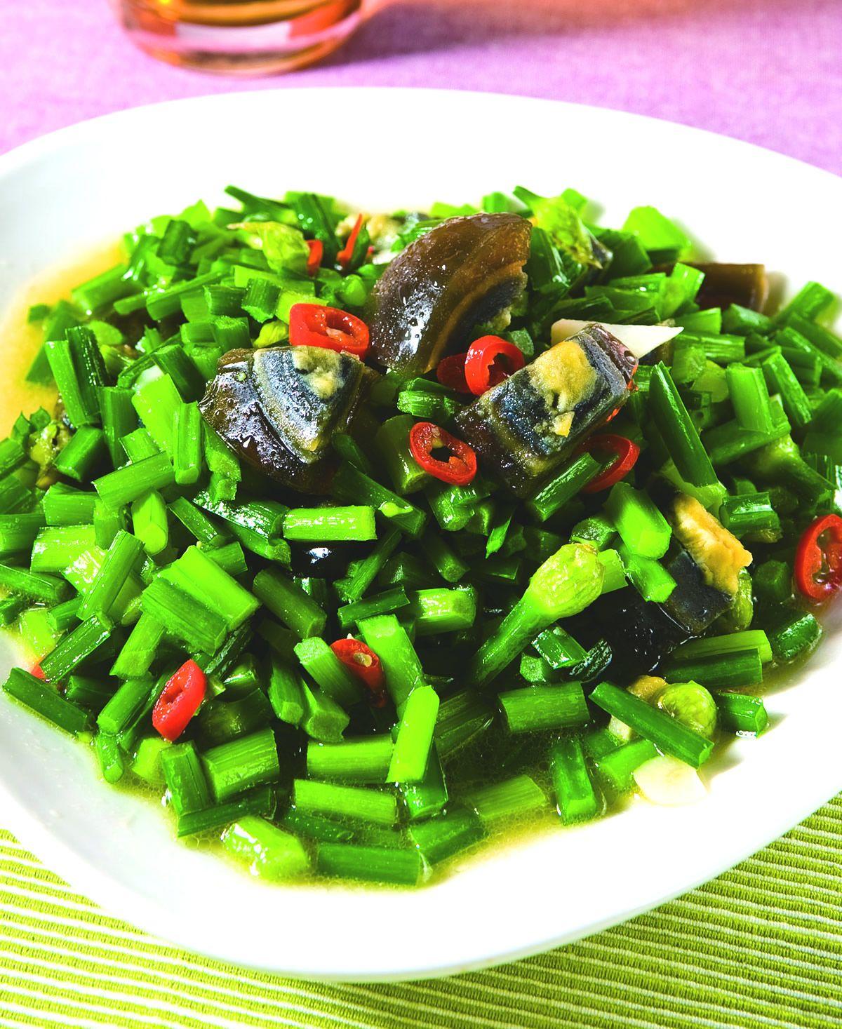 食譜:韭菜花炒皮蛋(1)