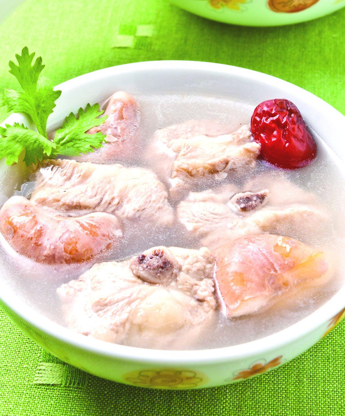 食譜:菱角紅棗排骨湯