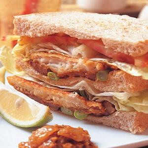 咖哩魚排三明治
